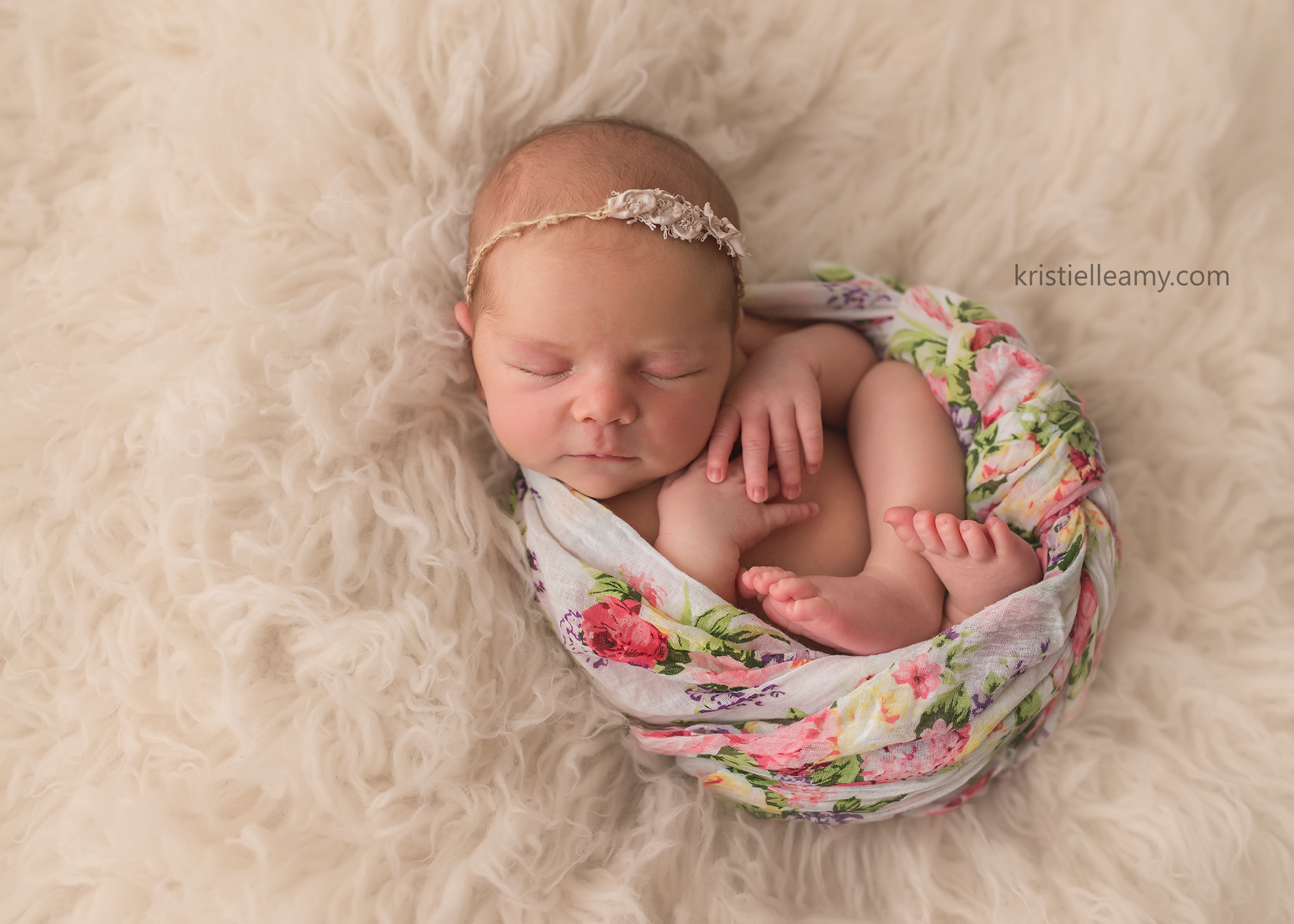 15 day old adeline echuca newborn photography