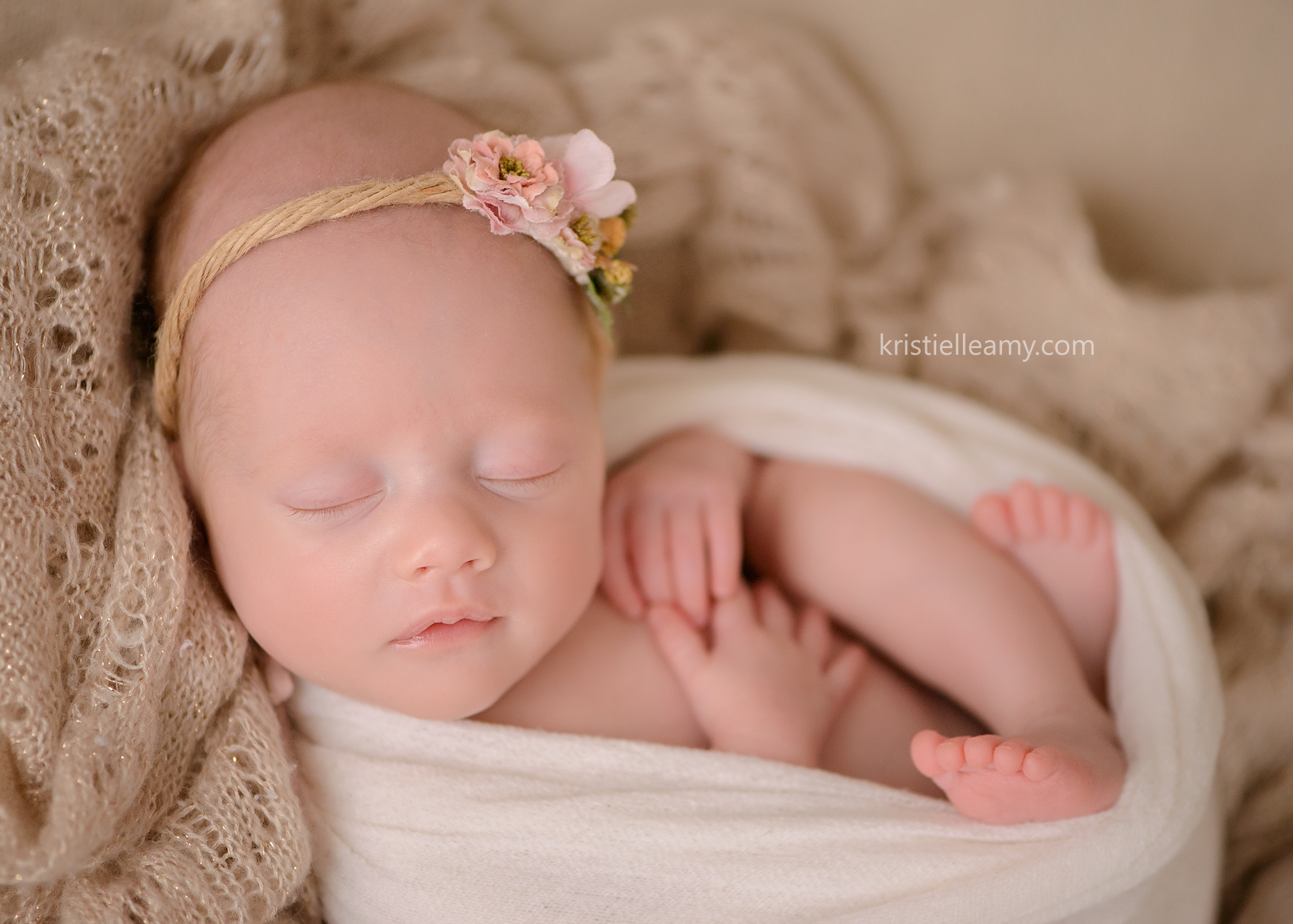 2 month old baby girl echuca newborn photography photographed by echuca newborn photographer kristielle amy photography